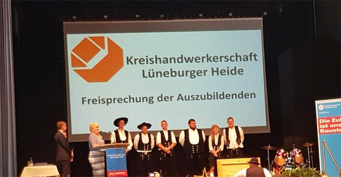 Schütte Holzbau Uelzen - Freisprechung Azubis Kreishandwerkerschaft Lüneburger Heide