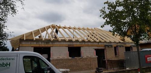 Schütte Holzbau Uelzen - Dachstuhl richten in Holdenstedt